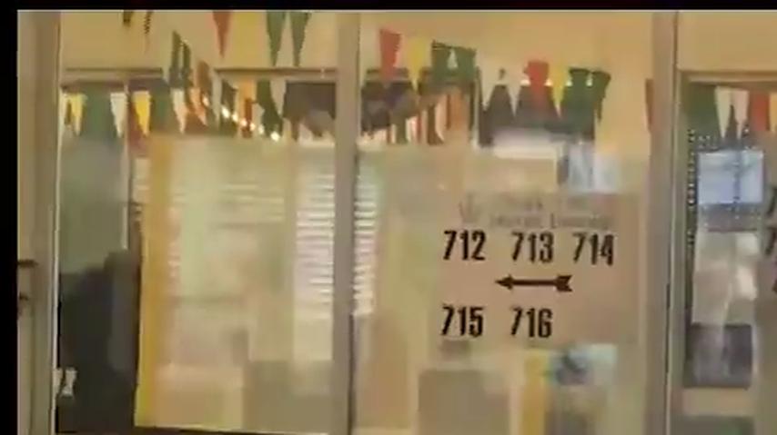 Elezioni, Affluenza alle 19.00 al 65,49%. Code ai seggi e attese fino ad un'ora.