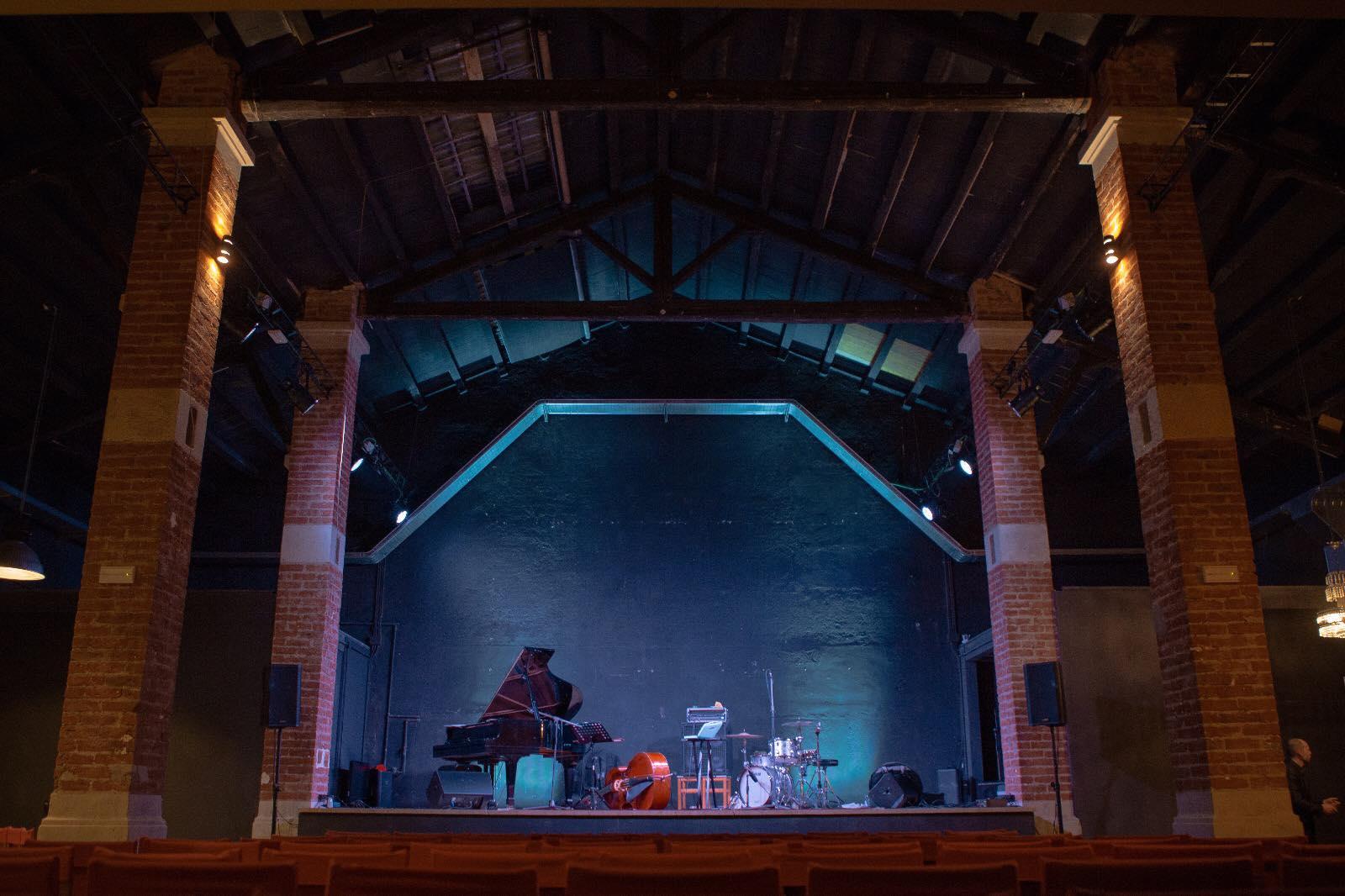 Inaugurazione Der Mast, nuovo teatro e spazio culturale