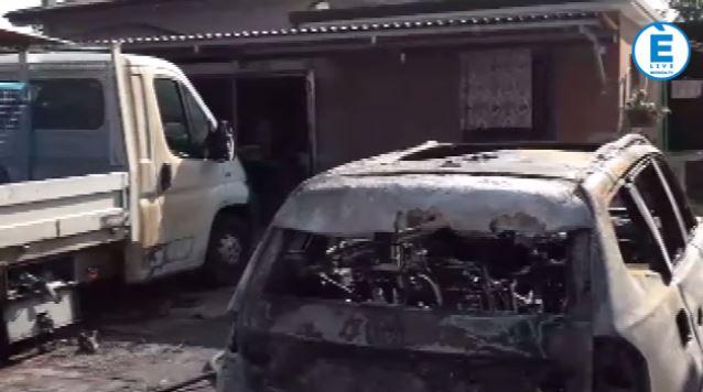Minaccia armato i parenti, brucia due macchine e fugge: fermato dai Carabinieri (video)