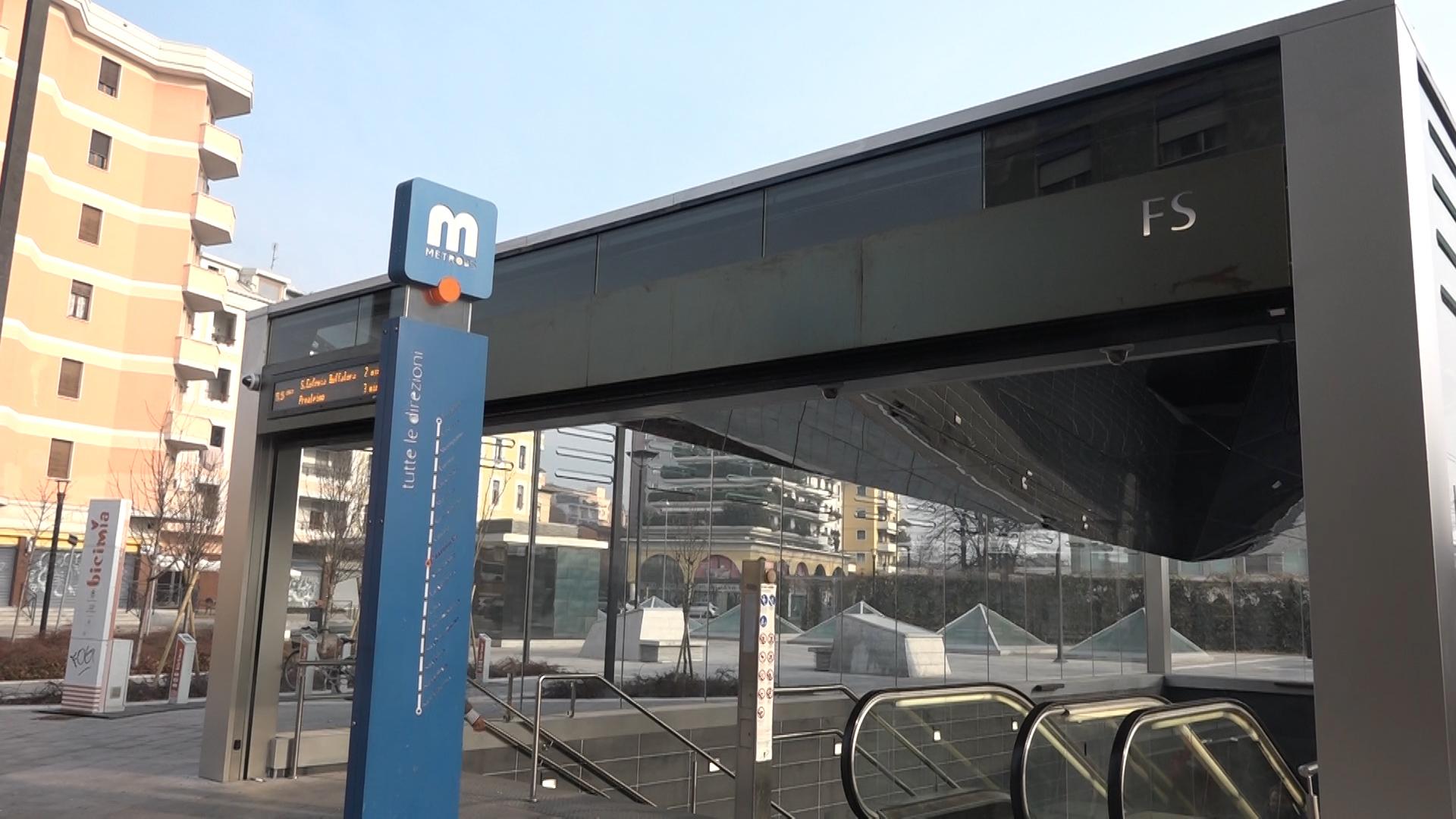 Stazione metro FS, inaugurata la copertura delle scale di accesso