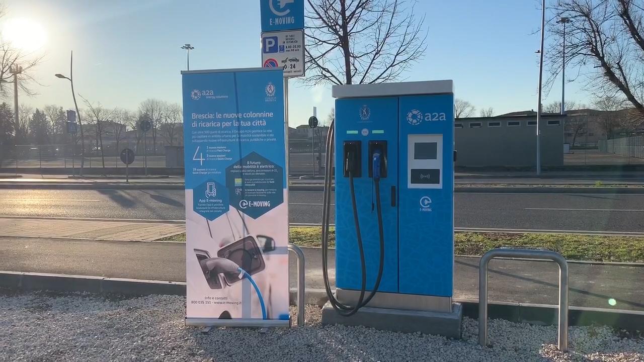 Nuove colonnine elettriche Fast e Quick Charge in città e 6 nei parcheggi