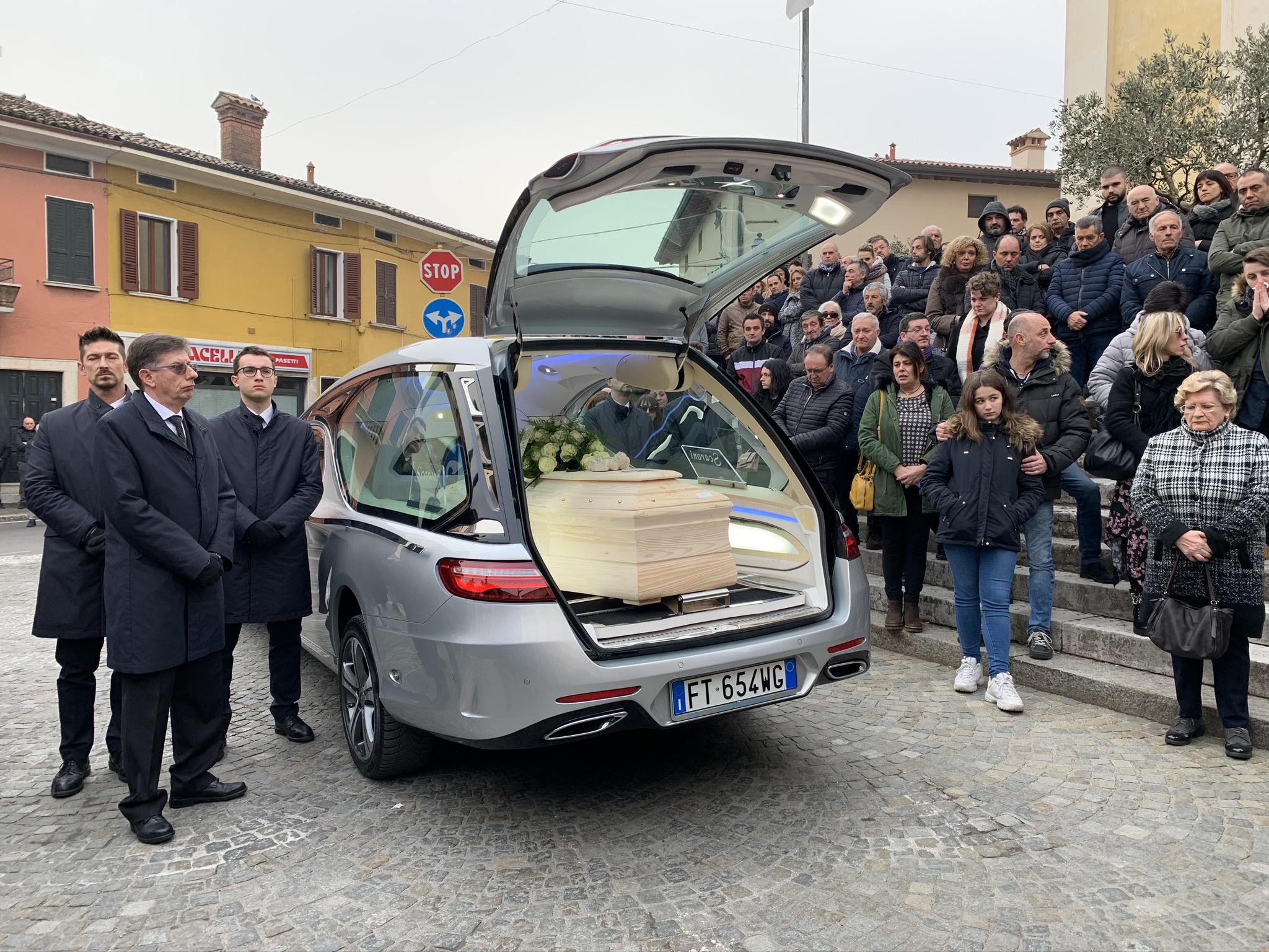Bedizzole commossa per l'ultimo saluto a Francesca