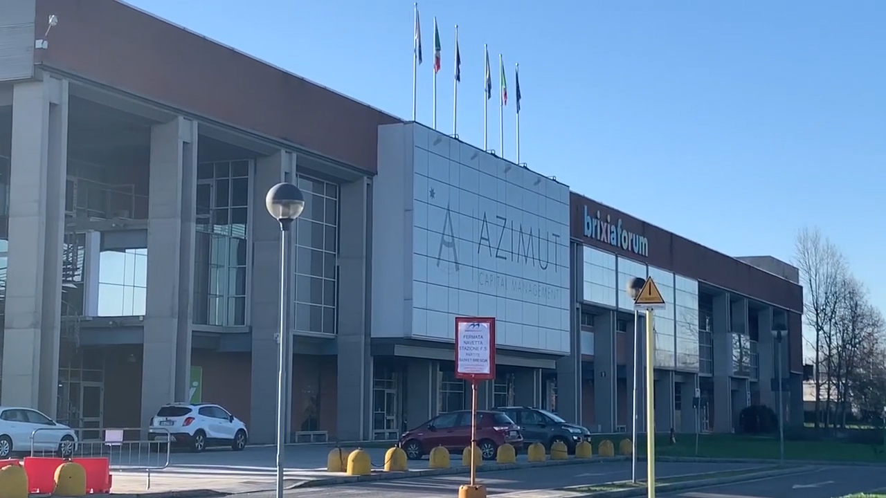Coronavirus, Gallera,  stop all'ospedale al Brixia Forum. Opzioni dal Gruppo San Donato