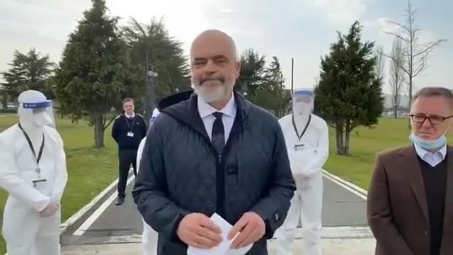 """Coronavirus, Edi Rama, e l'invio di 30 medici e infermieri """"L'Albania non dimentica, voi ci avete accolti …"""""""