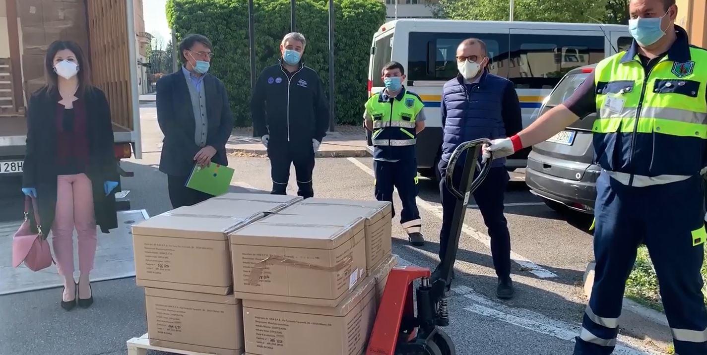 Consegnate le mascherine della Regione per il trasporto pubblico