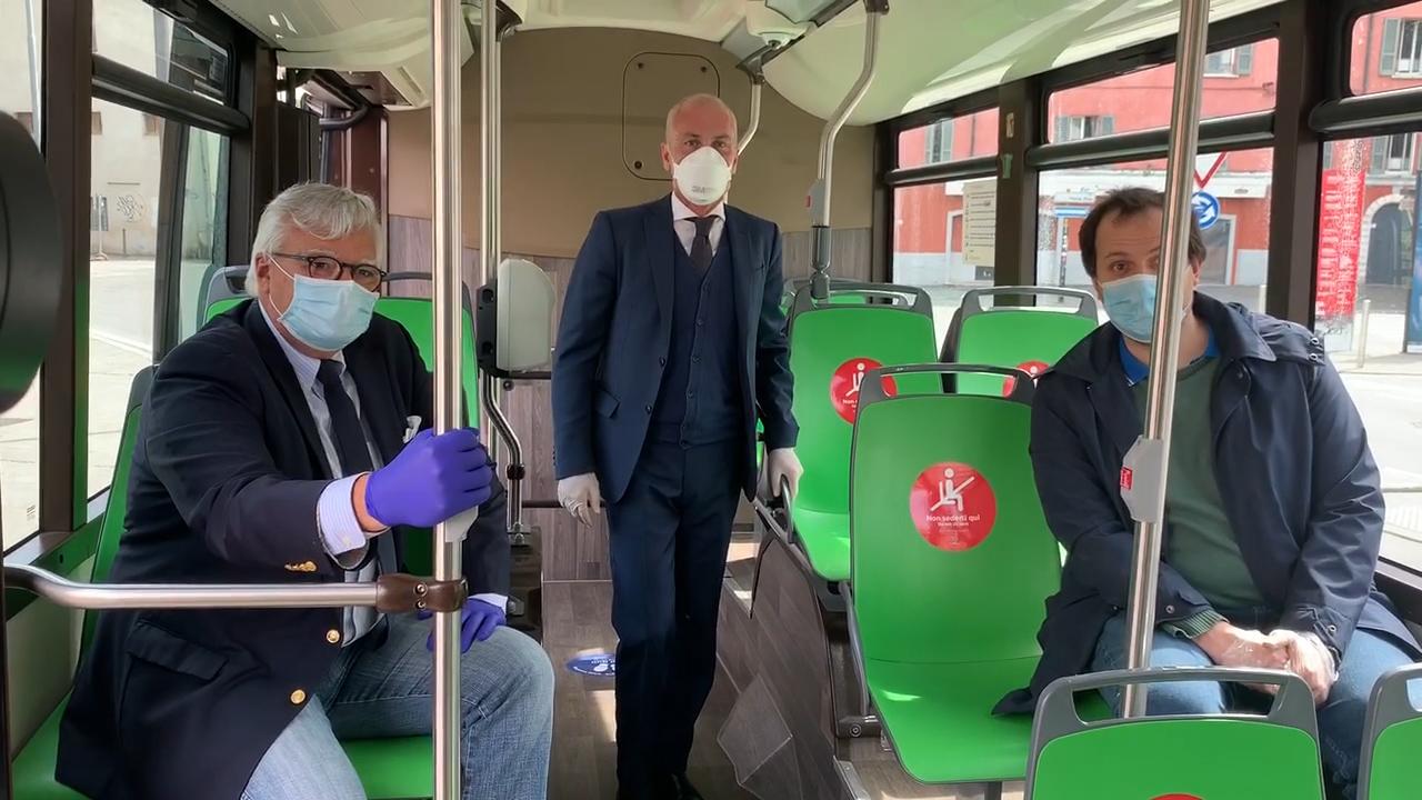 Coronavirus, Metro e Bus a Brescia già pronti per il 4 maggio: guanti, mascherine, distanziamento sociale, percorsi definiti