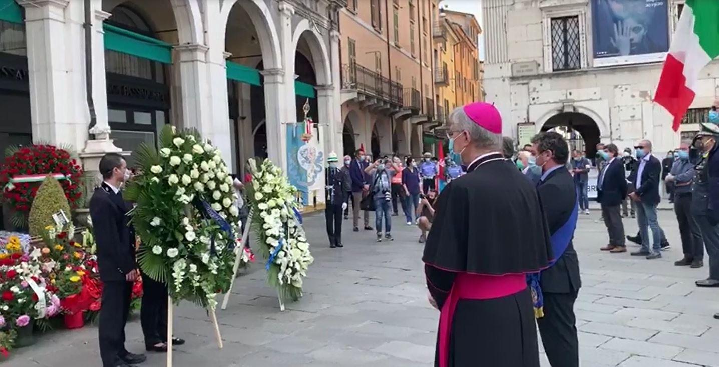 Otto rintocchi per ricordare le vittime della strage di Piazza Loggia
