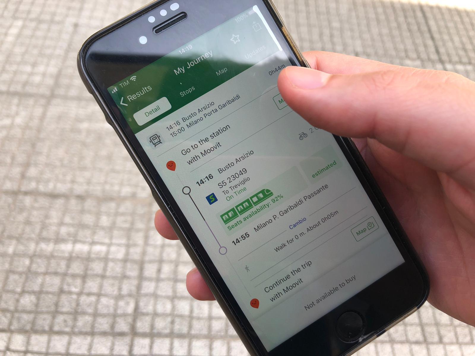 Trenord: da oggi l'app informa i viaggiatori sul numero di posti liberi