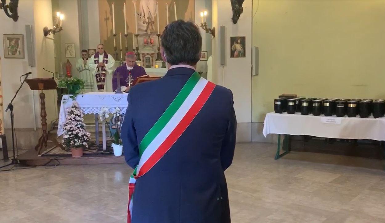 Al Vantiniano Vescovo e Autorità per l'estremo saluto a cento vittime del coronavirus