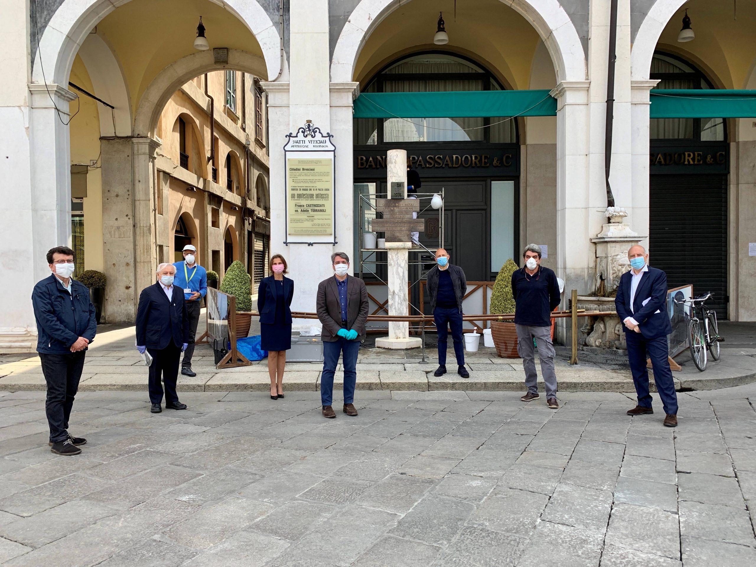 Sotto i ferri la stele di Piazza Loggia