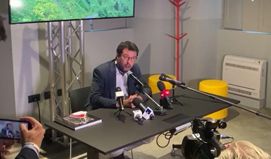 """Salvini a Gardone: """"Sbloccare l'autostrada della Valtrompia"""""""