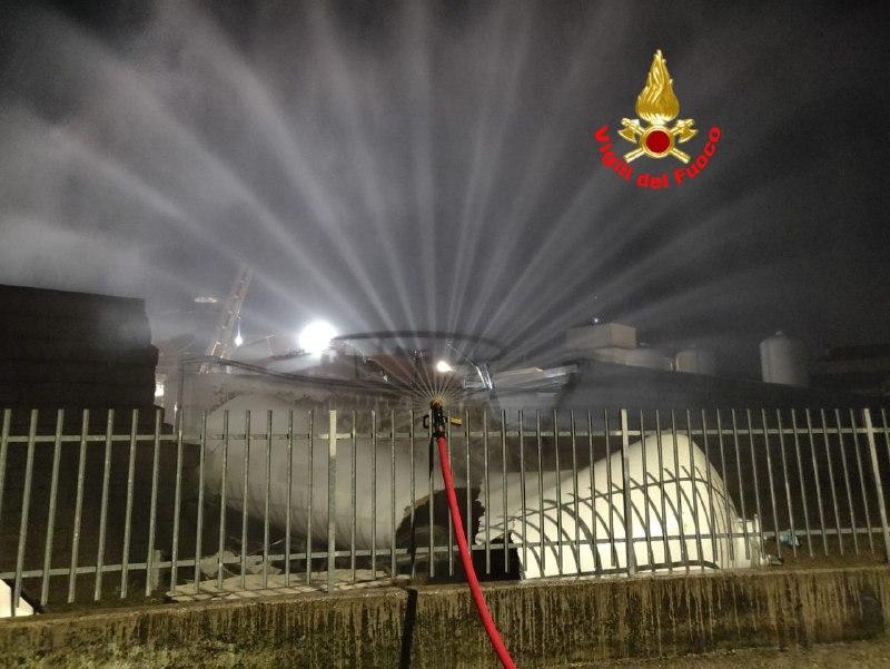 A San Polo collassa cisterna con materiale tossico. Intervengono i Vigili del Fuoco