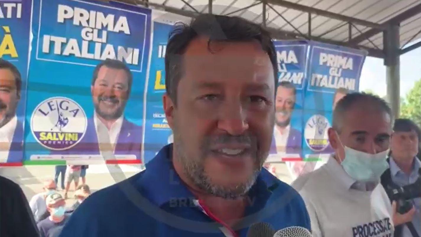 """Salvini: """"I sindaci della Lega diranno no alla ripartizione degli immigrati"""""""