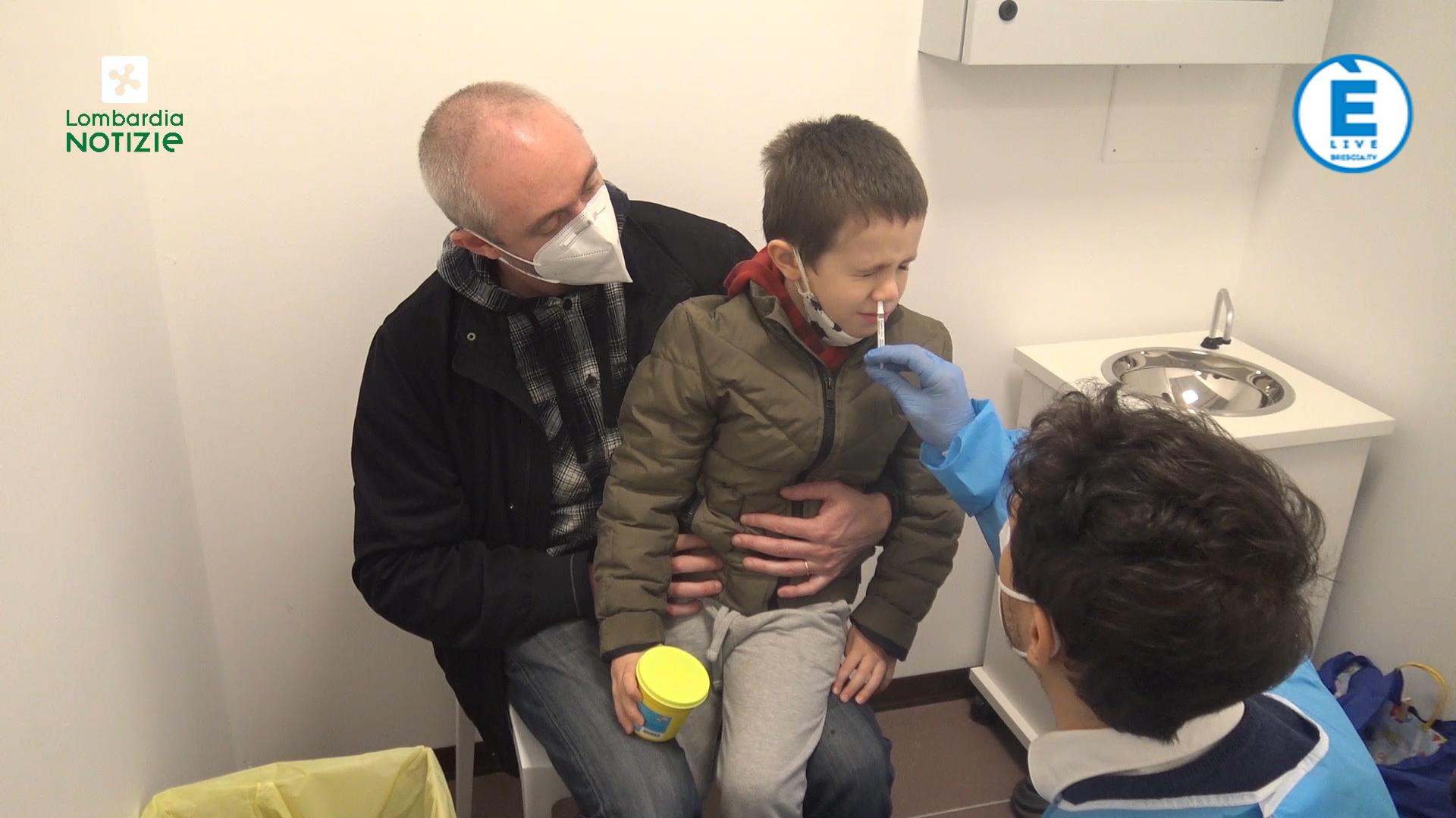 A Milano il vaccino antinfluenzale per i bambini dai 2 ai 6 anni. È un semplice spray nasale