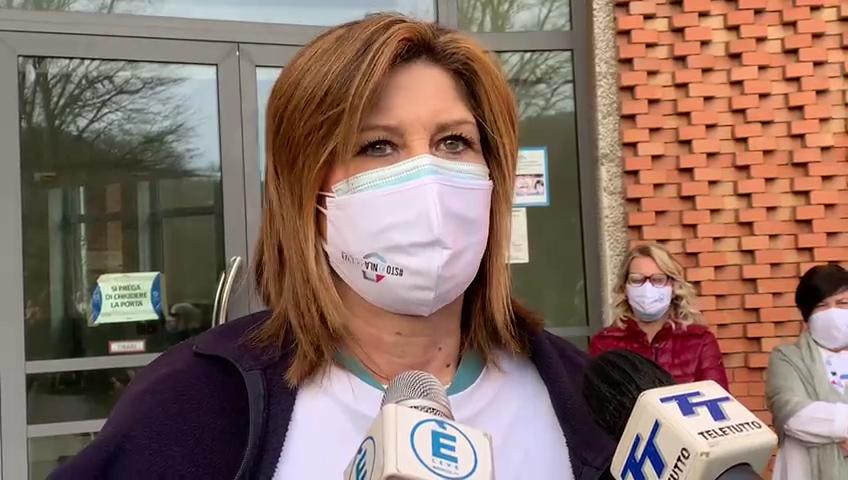 È Giulia Salvalai la prima bresciana vaccinata. La sua testimonianza