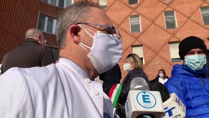 """Covid-19, agli Spedali Civili i primi vaccini. Lombardo """"ha aderito il 65% del personale sanitario dell'Asst"""