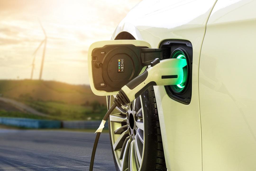 Domani online il nuovo bando per l'acquisto di auto non inquinanti