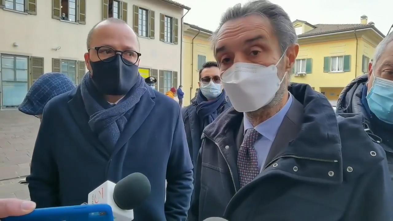 """Fontana, """"la Lombardia per ora è in zona rossa, è una punzione"""". Lunedì le scuole non riapriranno"""