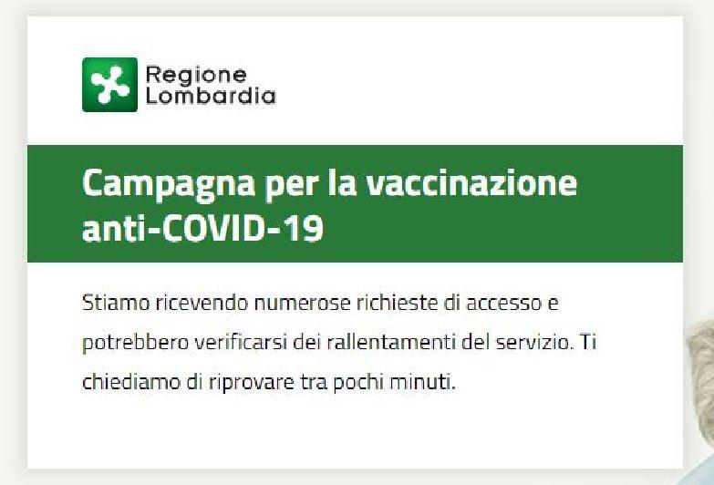 """Vaccino anti Covid in Lombardia, rimani in attesa ore e poi tutto """"va in crash"""". E devi ripartire dall'inizio"""
