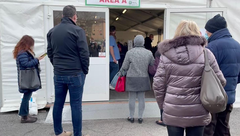 Via anche a Brescia alle vaccinazioni per gli over 80, l'entusiasmo dei protagonisti