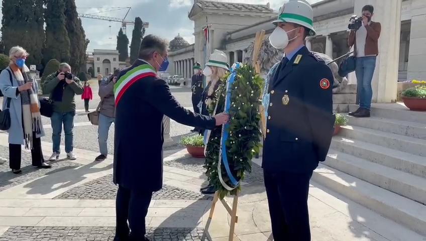 """Vittime del covid, Del Bono: """"Brescia ha pianto e piange ancora, Brescia oggi ha bisogno di un aiuto forte"""""""