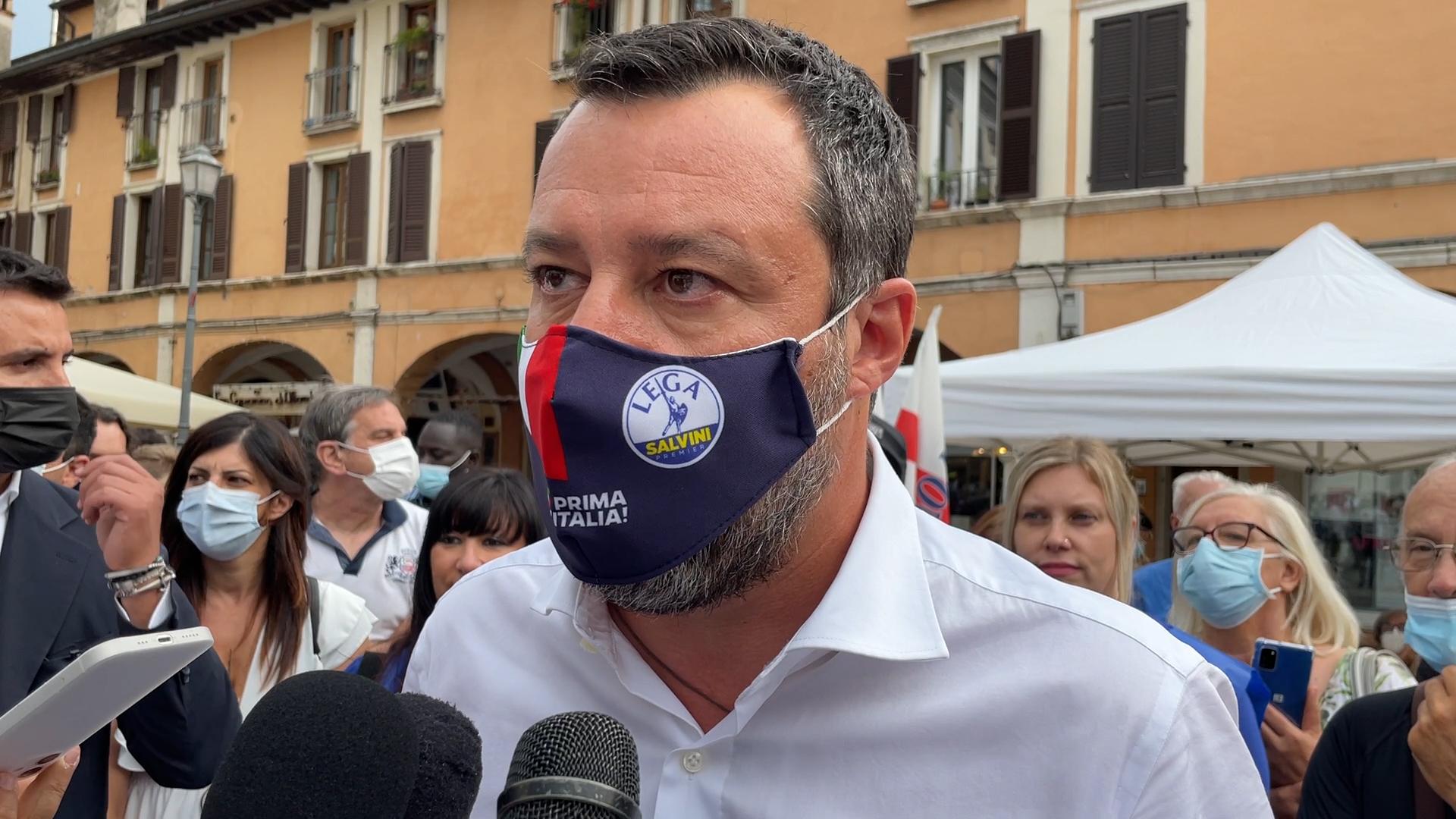 """Salvini a Brescia per la prima volta annuncia """"mi vaccinerò ad agosto"""""""